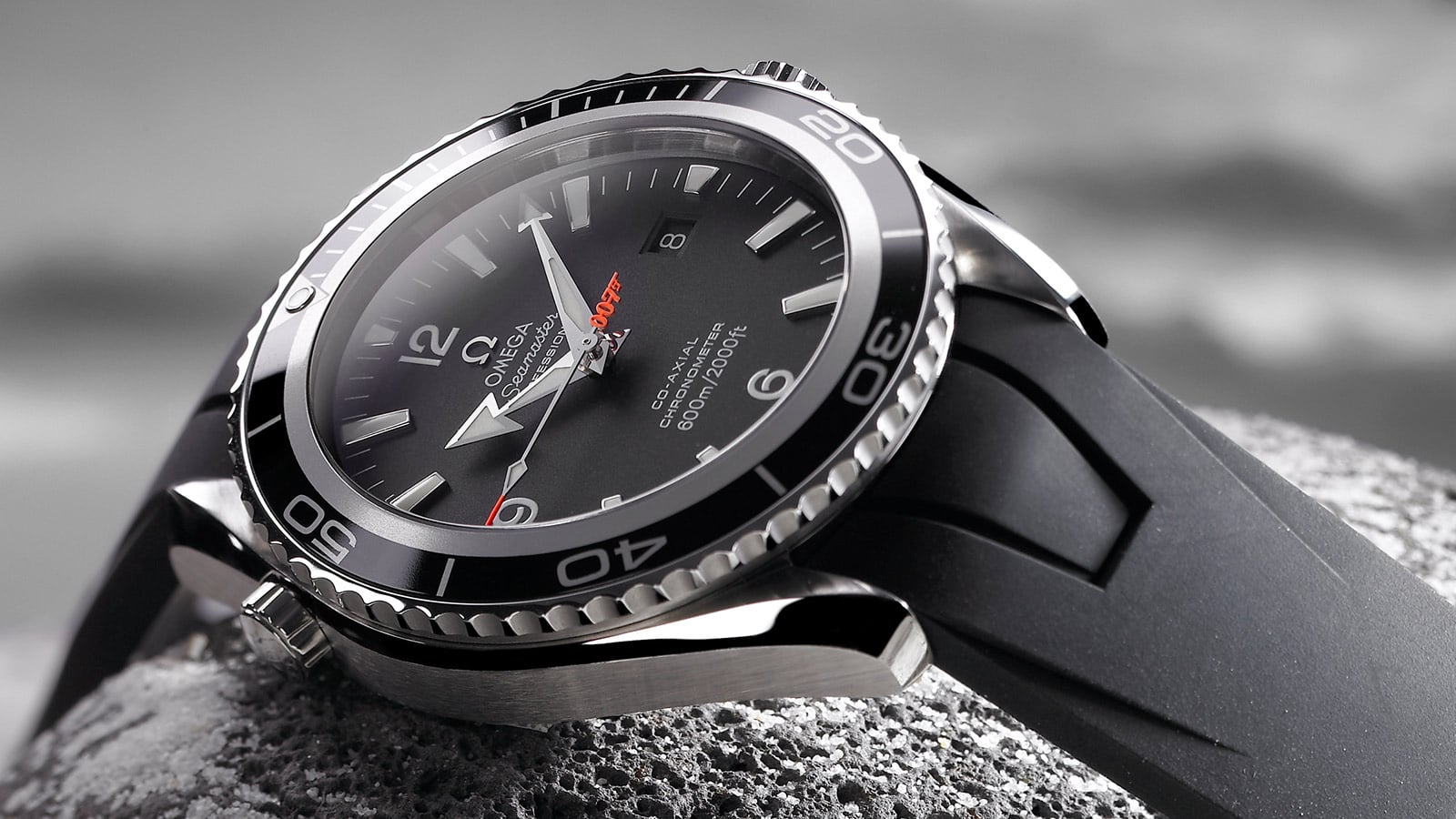 OMEGA and James Bond : a beautiful friendship | OMEGA® 歐米茄與占士邦:友誼永固 | OMEGA® - 投影片1: 3 - 9884